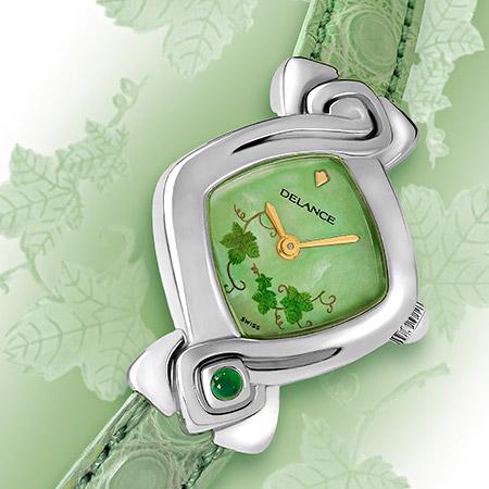 Chloe, die Stahl Damenuhr mit einem bemalten Zifferblatt und einem Alligator Armband in Pastel grün. Wasserdicht, Swissmade, Saphirglass